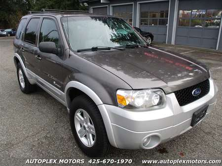 2005 Ford Escape Hybrid 4WD for Sale  - 12222  - Autoplex Motors