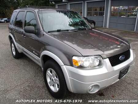 2005 Ford Escape Hybrid 4WD for Sale  - 12222  - Autoplex Motors