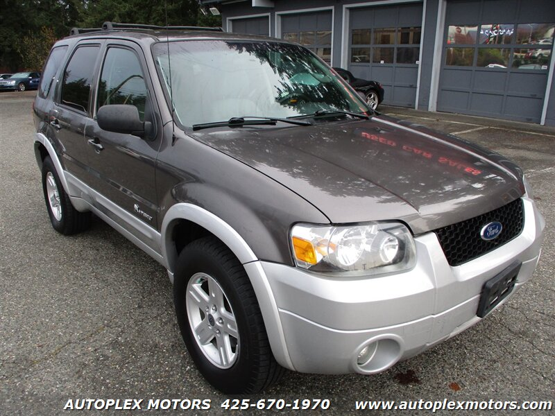 2005 Ford Escape Hybrid 4WD  - 12222  - Autoplex Motors