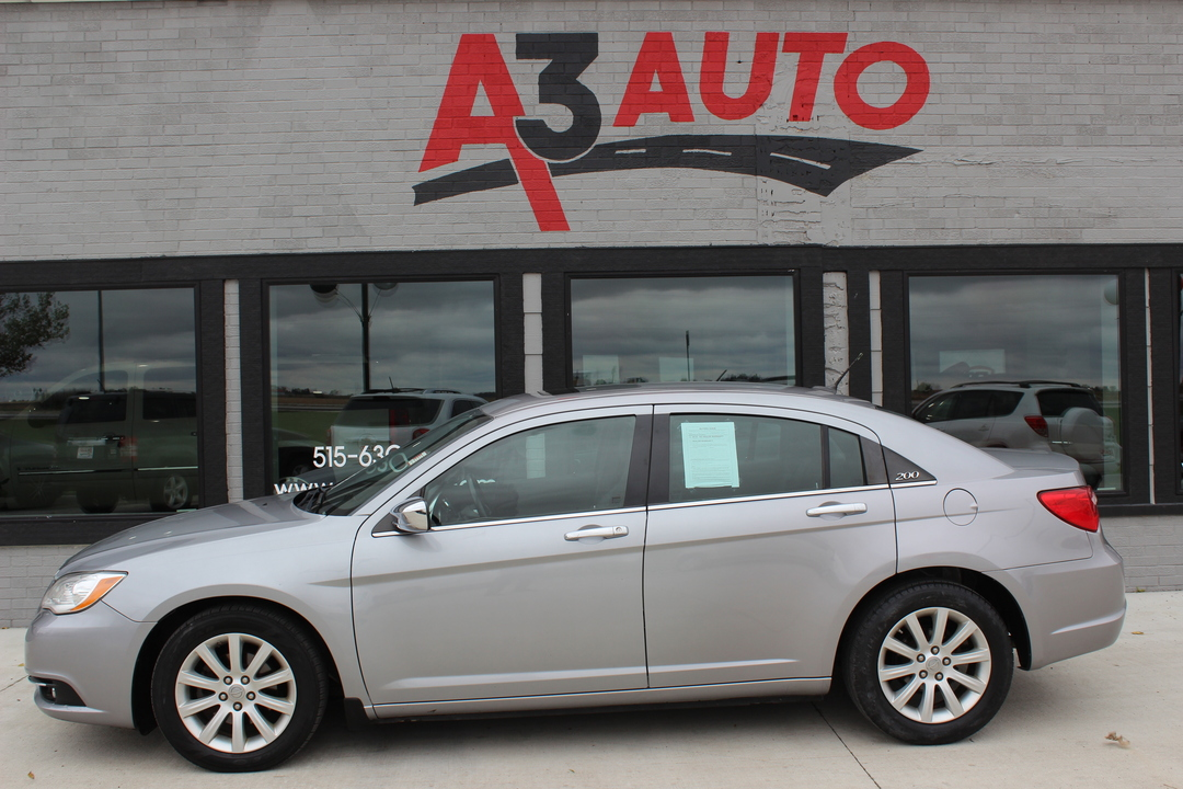 2014 Chrysler 200 Limited  - 461  - A3 Auto