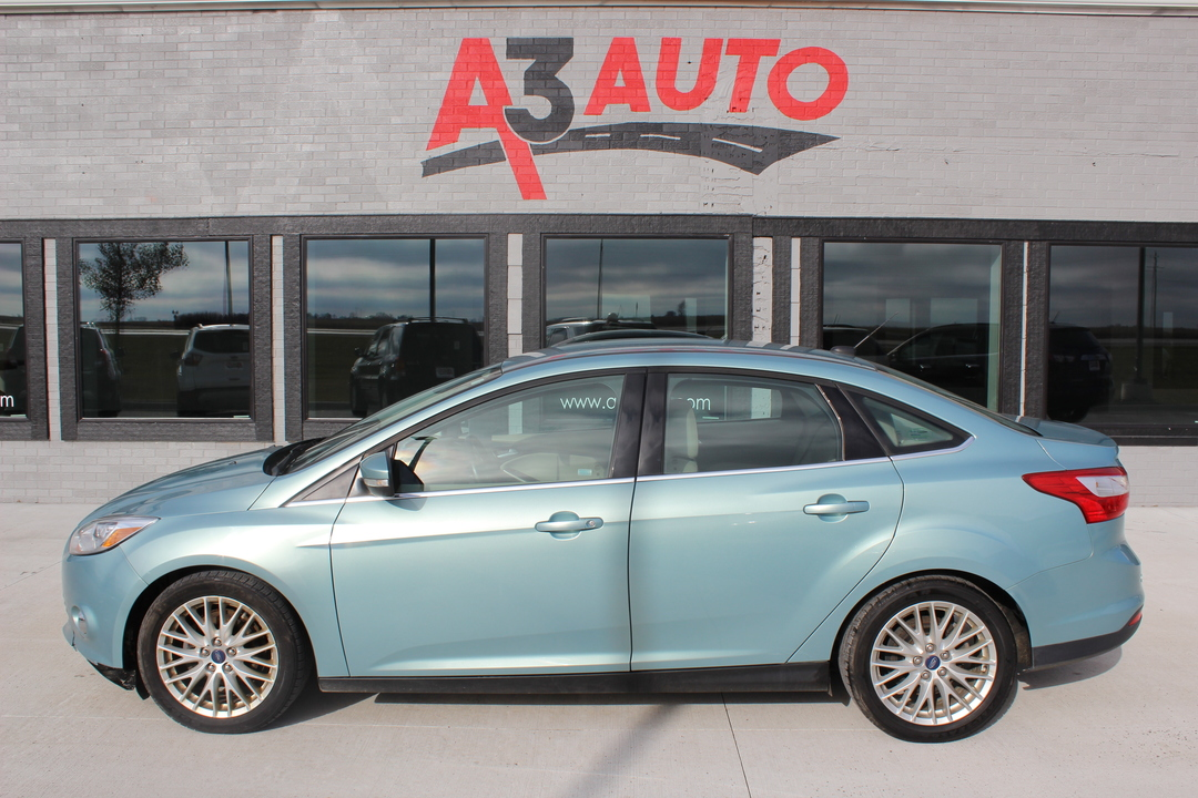 2012 Ford Focus SEL  - 182  - A3 Auto