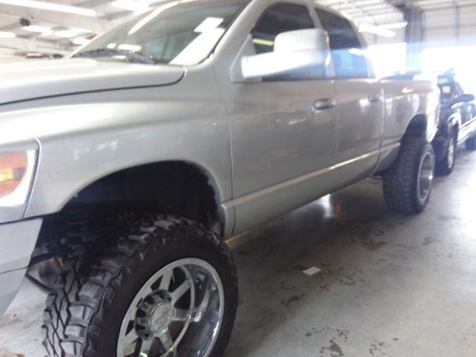 2006 Dodge Ram 2500 SLT  - 06  - Exira Auto Sales