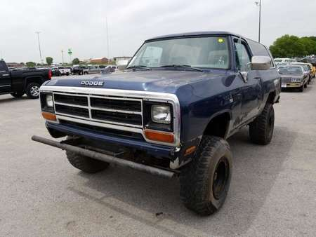 1990 Dodge Ram Wagon RAMCHARGER-360,fuel injected,4x4 for Sale  - 90  - Exira Auto Sales