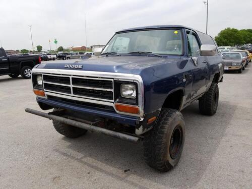 1990 Dodge Ram Wagon  - Exira Auto Sales