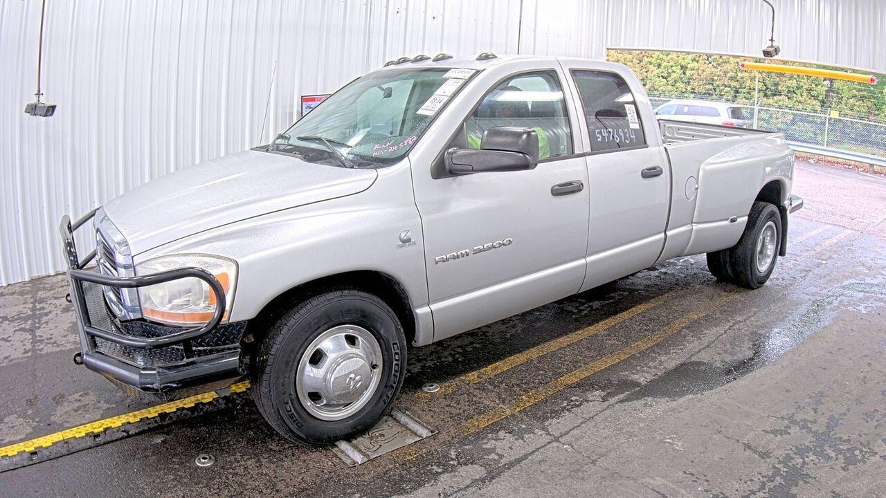 2006 Dodge Ram 3500 ST-diesel,2wd,stick  - 06  - Exira Auto Sales