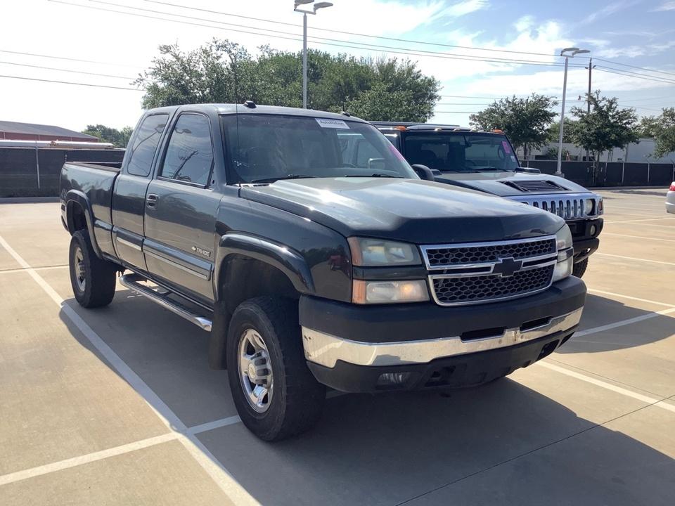 2005 Chevrolet Silverado 2500HD LT-4x4,gas  - 05  - Exira Auto Sales