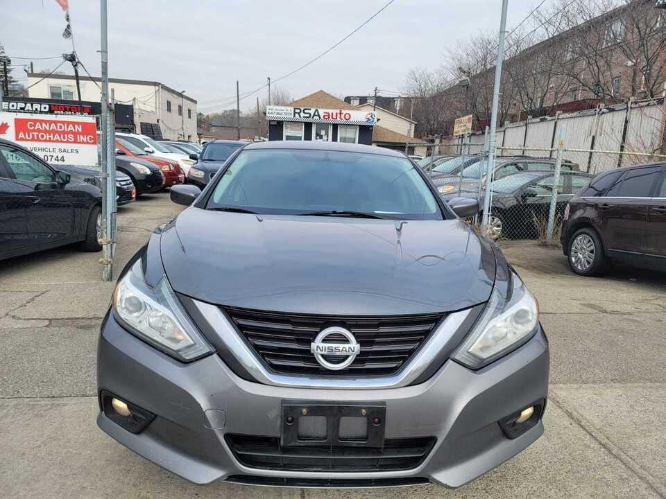 2016 Nissan Altima 2.5 image 1 of 8