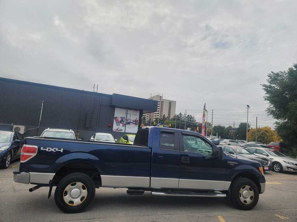 2009 Ford F-150 XLT image 2 of 15
