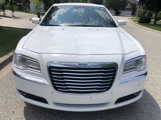 2014 Chrysler 300 FULLY LOADED  - 342096  - RSA Auto Sales