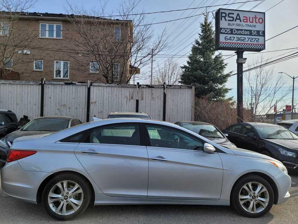 2011 Hyundai Sonata Ltd image 2 of 6