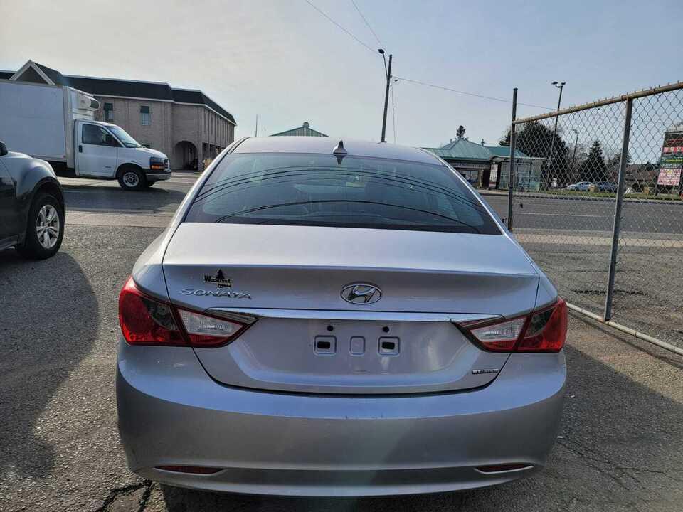2011 Hyundai Sonata Ltd image 3 of 6
